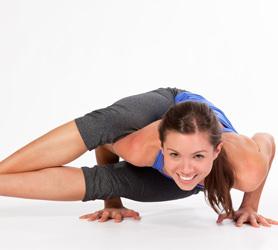 Şekilden-Şekle-Gireceğiniz-Çok-Şekil-Yoga-Hareketleri