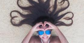 Deniz ve Güneşten Yıpranan Saçlara 4 Öneri