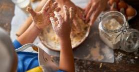 Çocuğunuzla Birlikte Yemek Yapmanın Çocuğunuzun Gelişimine 5 Faydası