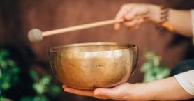 Ruh, Beden ve Zihin Arasında Denge Sağlayan Ses Meditasyonu Hakkında Bilmeniz Gereken Her Şey