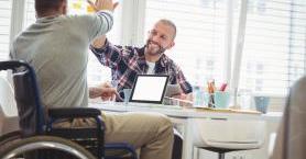 Engelli Bireylerin Hayatını Kolaylaştıracak 5 Akıllı Cihaz