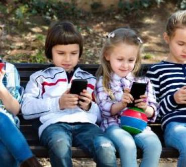Çocuğunda Telefon Bağımlılığını Engellemenin 5 Yolu