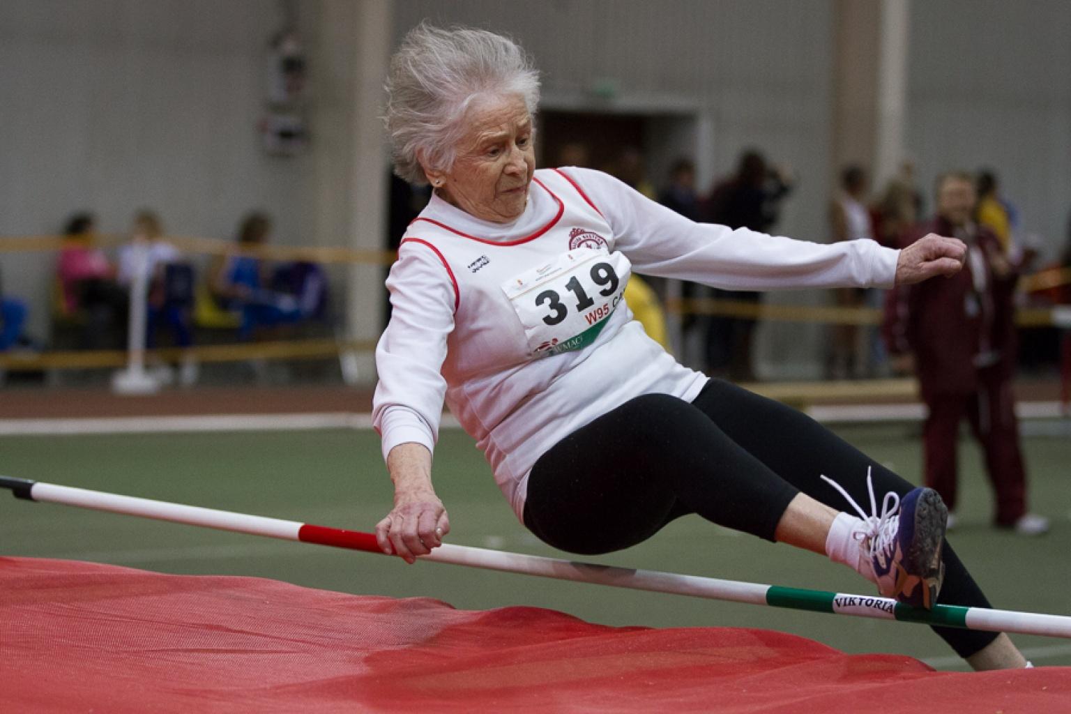 Yaşlılar için sabah egzersizi: özellikler, alıştırmalar, kurallar ve öneriler