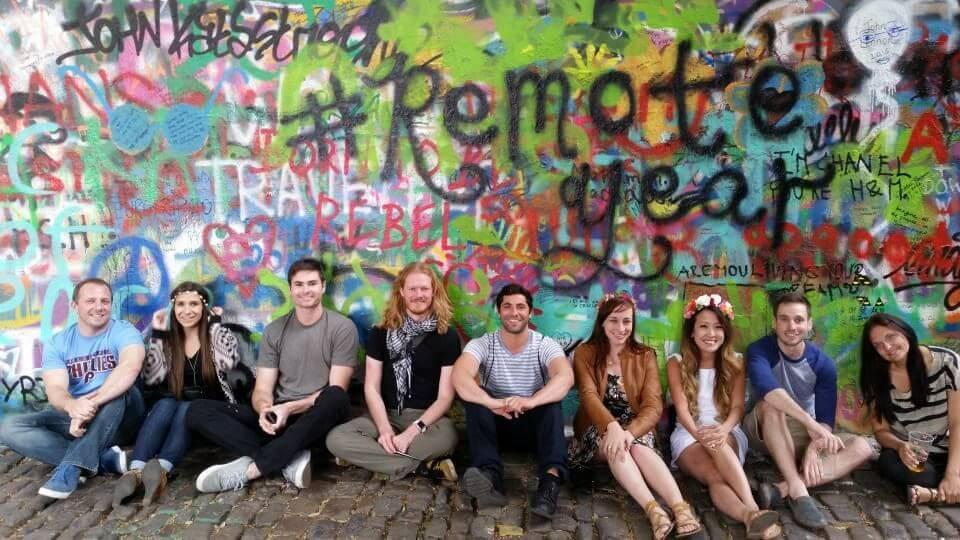 Bir Yıl Uzaktan Çalışarak Dünyayı Dolaş! remote year wall