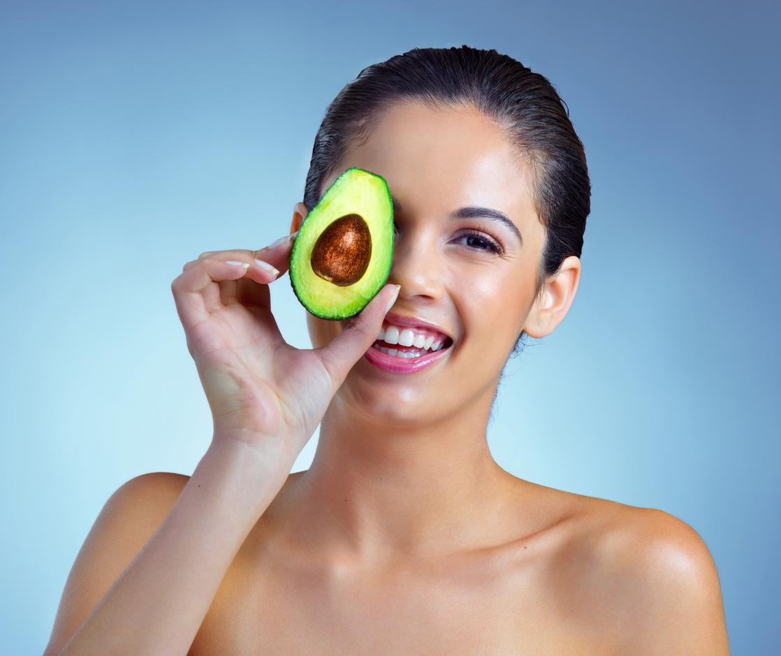 Canlı ve Sağlıklı Bir Cilt İçin Almamız Gereken Besinler